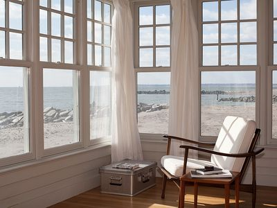 Beach Front Cottage, Lovely Views!