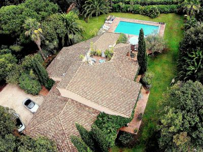Photo for PRESQU'ÎLE ST TROPEZ. CONTEMPORARY VILLA PLAIN-FOOT 180m2 swimming pool