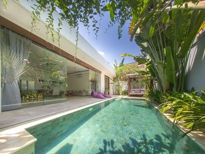 Photo for House 894 m from the center of Kuta with Internet, Pool, Air conditioning, Parking (1015276)
