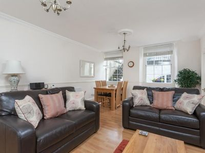 Photo for Huge comfortable Georgian city centre garden flat for 2 in central Bath