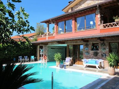 Photo for 5 bedroom Villa, sleeps 9 in Luciano with Pool and WiFi