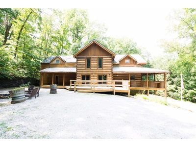 Photo for Stay close to the village! Only 1 mile from downtown Nashville!