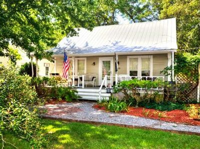 Photo for Beautiful & Convenient, 3 Bdrm/2 Bath Home in Historic Southport-Sleeps 5