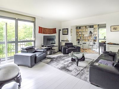 Photo for Spacious & modern apartment with beautiful terrace