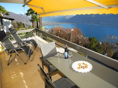 Photo for Nice, modern furnished 2.5-room apartment with breakfast bar in Orselina, s