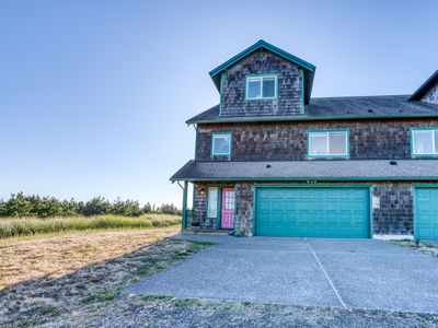 Photo for UPDATED Oceanfront Retreat – just steps from town, Discovery Trail & the beach!