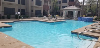 Downtown Phoenix Condo *Gated  *Chase Field is close! *Sleeps 4 *Community Pool