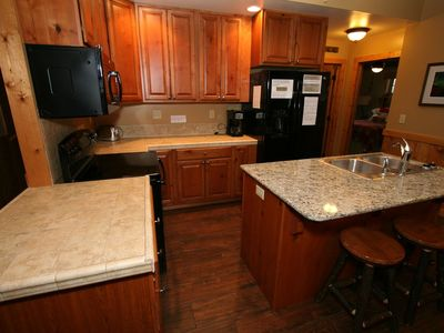 Photo for New 2 Bedroom/2 Bathrooms/Fireplace/Jacuzzi Tub/Deluxe Home/Free Amenities
