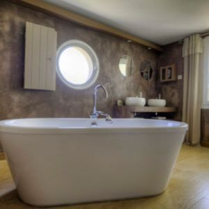 Photo for Romantic room Sainte Victoire view and pool