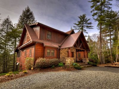 Photo for Luxury and nature dance hand-in-hand at this stunning retreat.