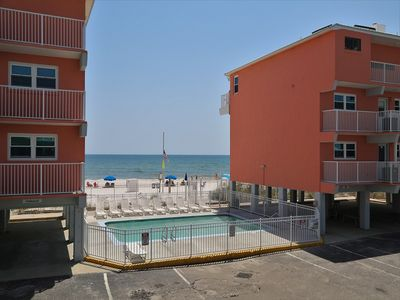 New King Bed Upgraded Appliances! Large Corner, wrap-around balcony Harbor House B17 Gulf View