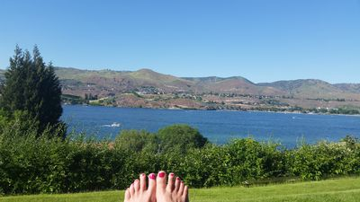 Photo for Affordable 2 bedroom lake view condo in Chelan