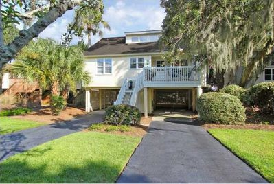 Welcome to Lowcountry Retreat at 516 Cobby Creek, Seabrook Island, SC!