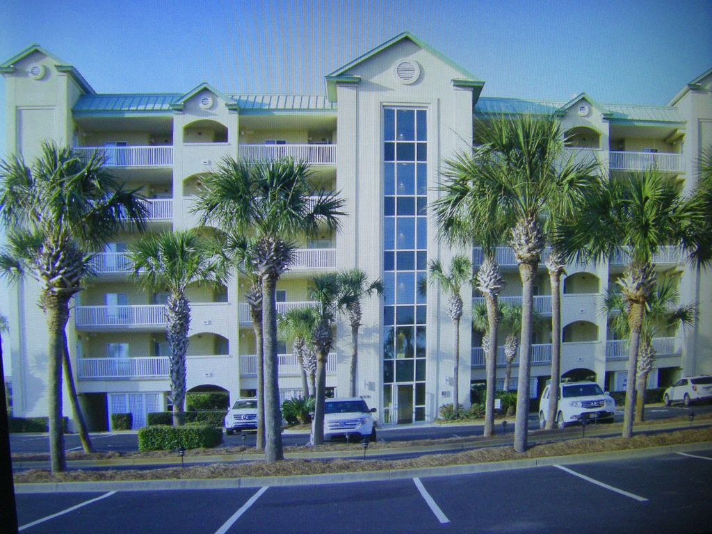 image 2 lbts 3 bedroom 3 bath condo located 100 yards from the beach