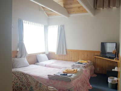 ・[One of the guest rooms] Western-style room (with bath and toilet)