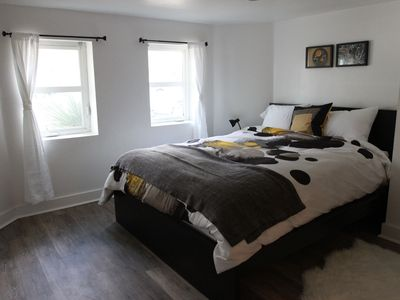 Photo for Cozy 2 bdrm apt, walk to literally everything!