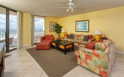 **WEEKLY SPECIALS!** Phoenix V - LOW FLOOR 3BR with Rsvd Parking