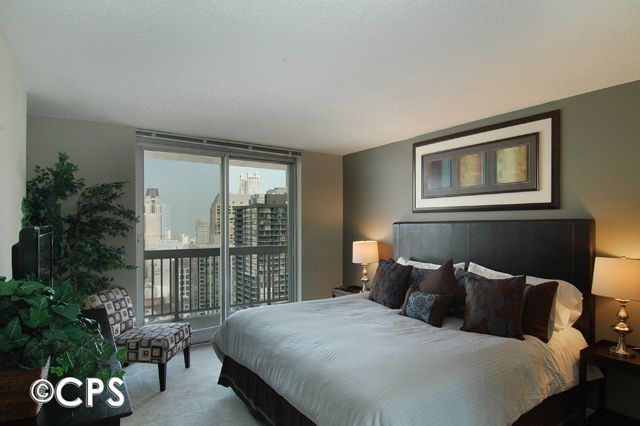 Property Image#8 Magnificent Mile Corner 2 Bedroom Suite On 43rd Floor With  Balcony