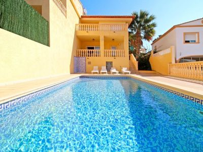 Photo for 4 bedroom Villa, sleeps 9 in Calpe with Pool, Air Con and WiFi