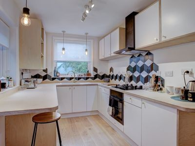 Photo for Clean and hygienic Artist's Home near NNUH Hospital | Artist's Home w/ Parking