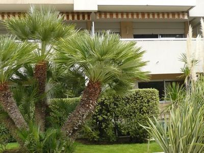 Photo for In the heart of Menton, 100 m from the sea with garage, free WIFI. ..