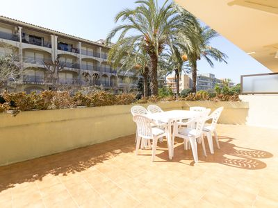 Photo for Apartament of 2 bedrooms with pool 5 minutes from the beach