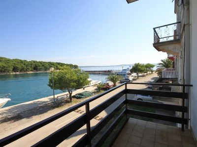 Photo for One bedroom apartment with balcony and sea view Kukljica, Ugljan (A-8260-b)