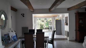 Search 489 holiday lettings