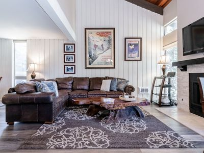 Chamonix 88-Upgraded town home Just steps to Canyon Lodge- Nearly Ski in Ski Out- Sleeps 8