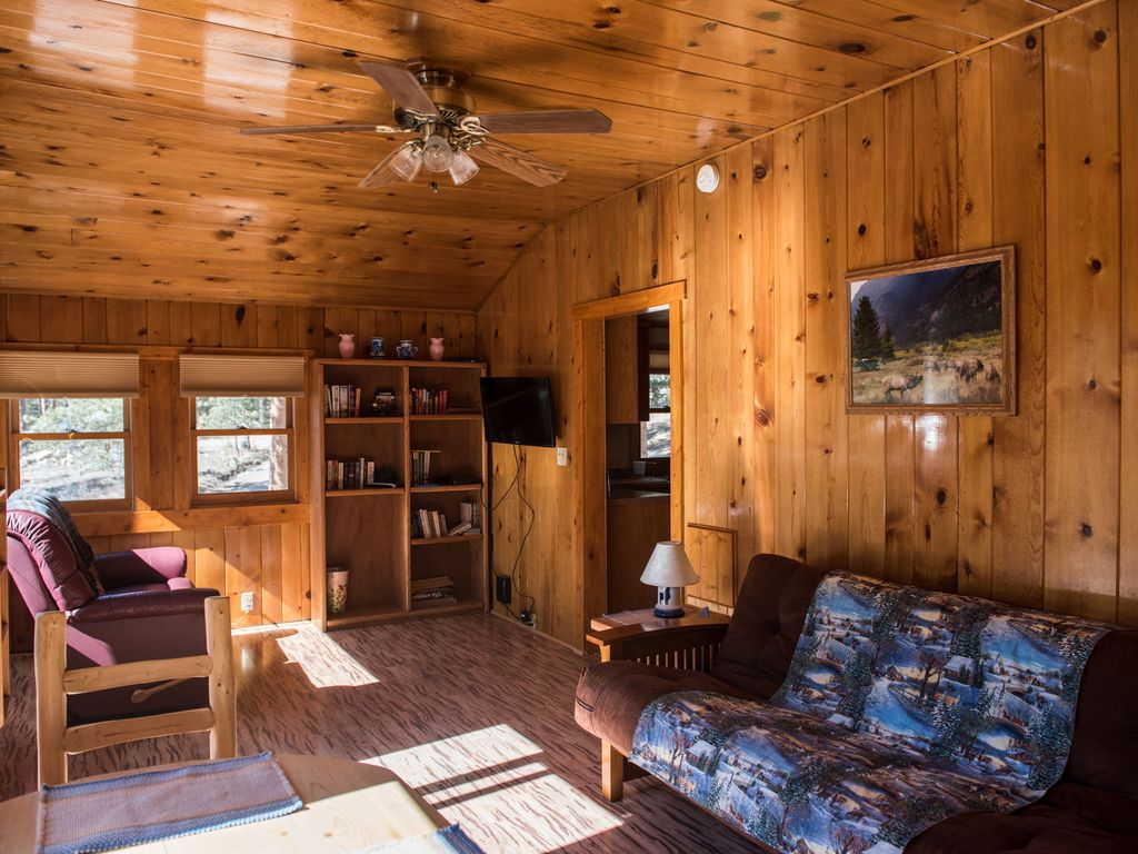 cozy comfortable cabin in glen haven glen haven front