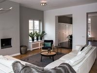 A modern, clean, superbly-located apartment!