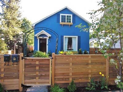 2 Houses for the price of 1! Best Location ! FREE Bikes and Kayak! Downtown!Walk