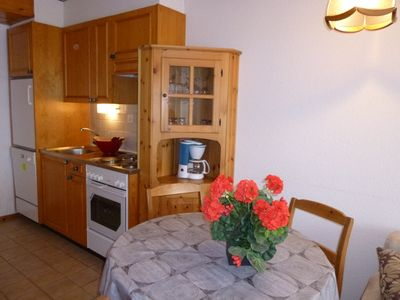 Photo for 1-bedroom apartment, 2* for maximum 4 people, et about only 100 meters from the ski lift. Bright liv