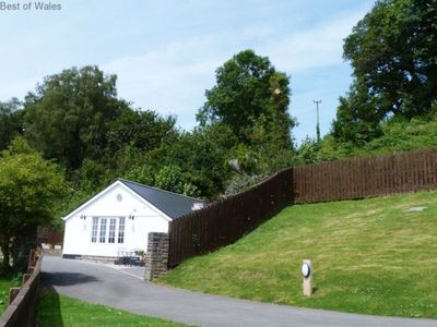 Photo for Vacation home Cysgod y Coed in Cardiff - 2 persons, 1 bedrooms