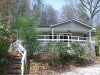 Beautiful, spacious, clean, well-equipped house close to downtown Highlands.