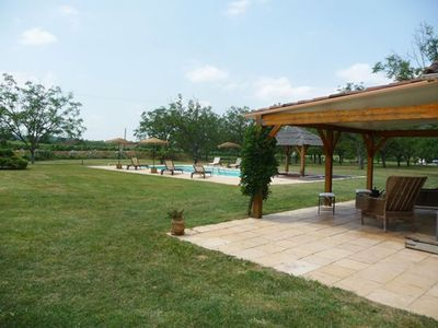 Photo for Cottage in the countryside, private swimming-pool, 12 persons