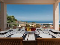 Beautiful villa in a secluded neigborhood. There is so much to see in Sicily.
