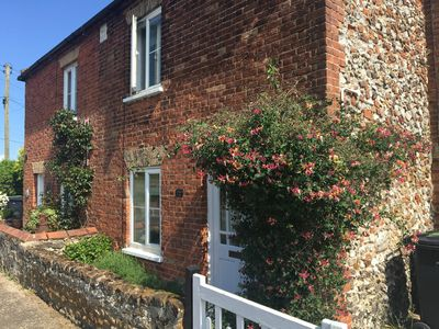 Photo for Pretty cottage near North Norfolk beaches