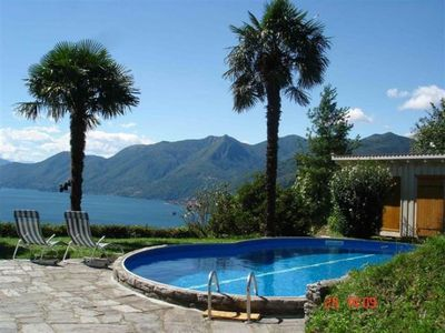 Photo for Detached 4½-room house with pool and breathtaking view of the lake