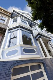 Large Flat In Stunning Mission Dolores Victorian