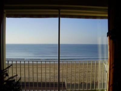 Photo for Very quiet furnished flat in front of a long sandy beach with a very beautiful sea view.