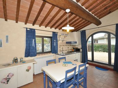 Photo for One bedroom Apartment, sleeps 4 in San Gimignano with Pool and WiFi