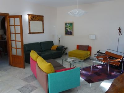 Photo for Ideal for festival goers, 110m2, downtown, large garden terrace, south