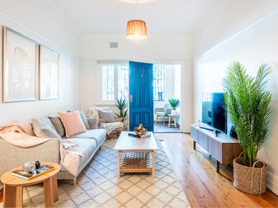 Photo for Sparkling Coogee Apartment close to  beach -*20% DISCOUNT APPLIED BE QUICK!!