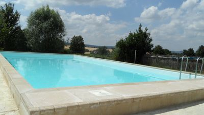 Photo for Nice house nice big pool in Burgundy present