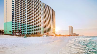 Photo for Spend Your Romantic Getaway at Panama City!