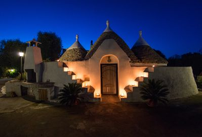 Trullo by night