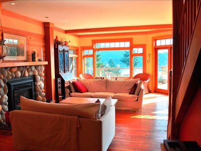 Photo for 4BR House Vacation Rental in North Vancouver, BC