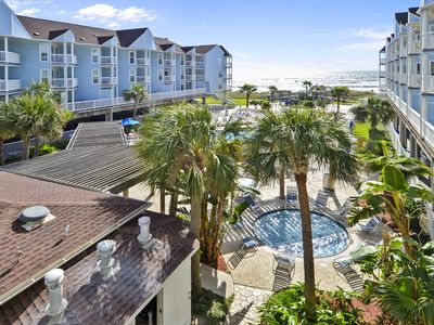 Photo for Family Fun at Seascape Beachfront condo with a great view of the beach!