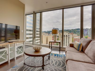 Photo for Hip, dog and family friendly elegance in the heart of downtown Portland!